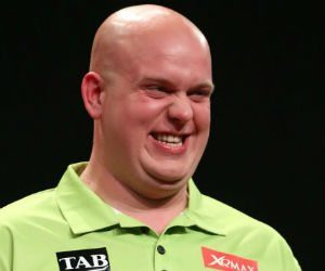 Michael van Gerwen Grand Slam of Darts 2016 Getty