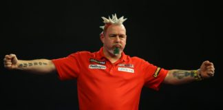 Michael van Gerwen moet winnen van Peter Wright in Champions League Getty
