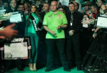 Live wedden: Michael van Gerwen voor derde Premier League Darts titel Getty
