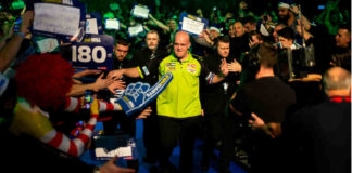 Finale WK Darts 2019: Michael van Gerwen - Michael Smith voorspellingen bookmakers gokken | Getty