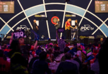 Michael van Gerwen - Rob Cross kraker Premier League Darts voorspellingen bookmakers vandaag | Getty